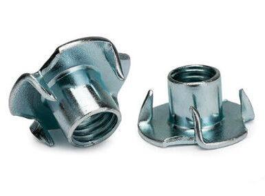 DIN1624 cuatro garras tuerca acero al carbono zinc